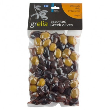 Assorted green and black olives